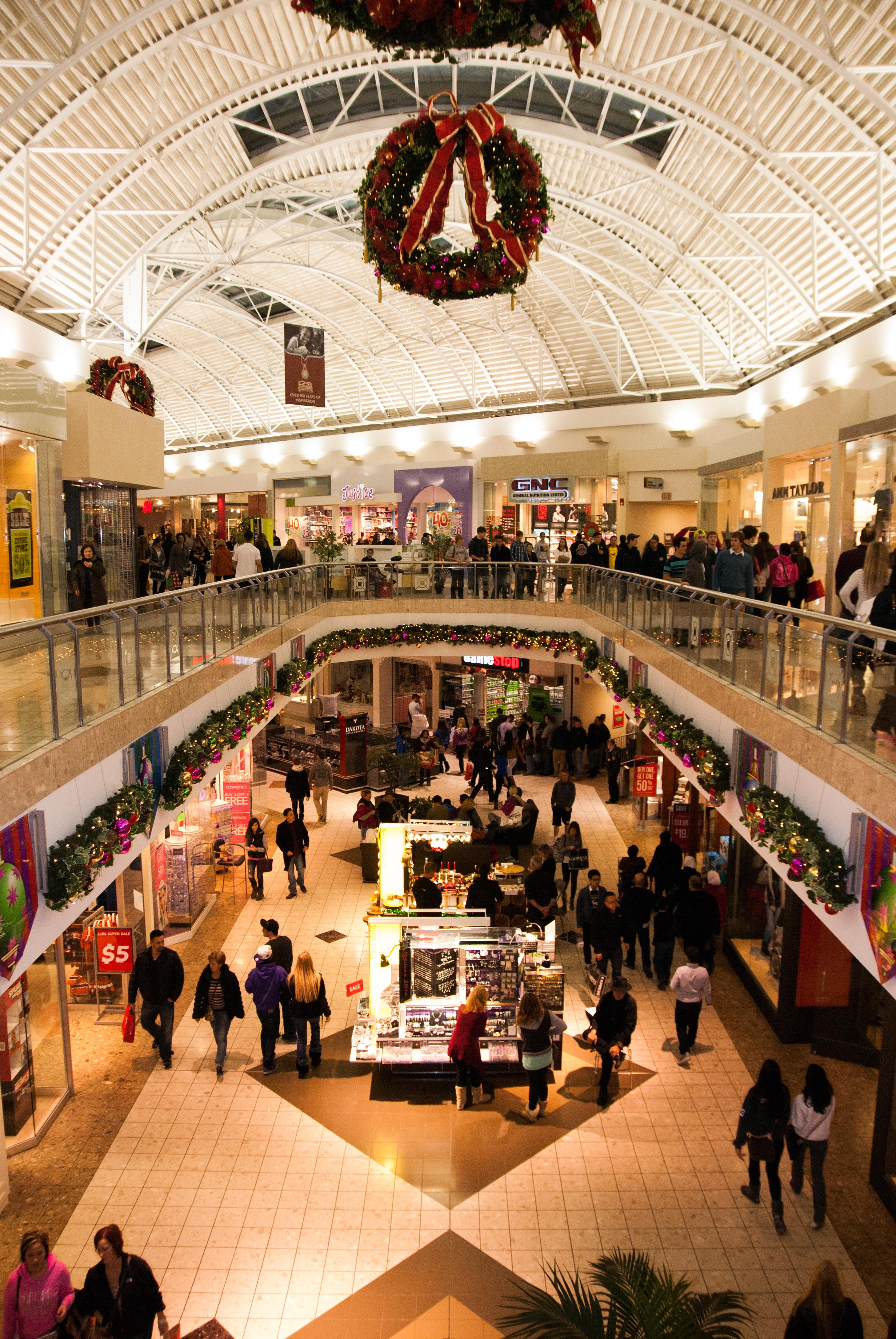 ... in the shopping crowd at Strongsville's SouthPark Mall | cleveland.com